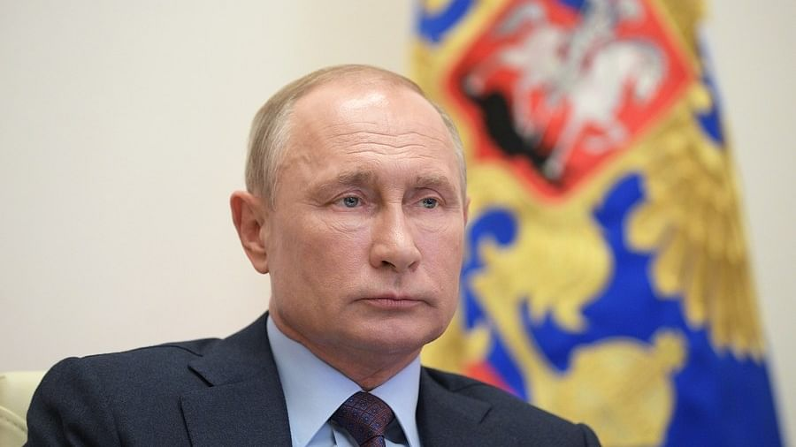 दुनिया की 5 बड़ी खबरें: कैलिफोर्निया में गोलीबारी, 4 की मौत और पुतिन 2 बार और बन सकते हैं रूस के राष्ट्रपति