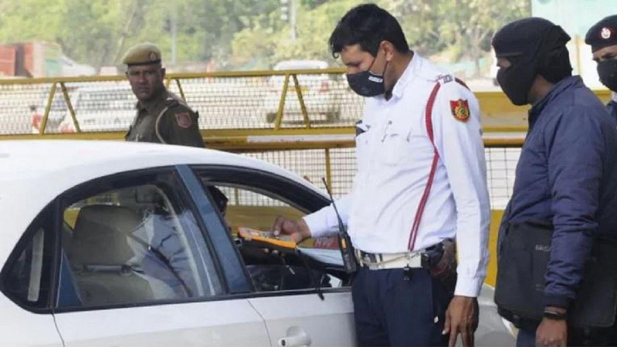 कोरोना काल में सुरक्षा कवच है मास्क, अकेले ड्राइविंग करते हुए भी पहनना अनिवार्य: दिल्ली HC