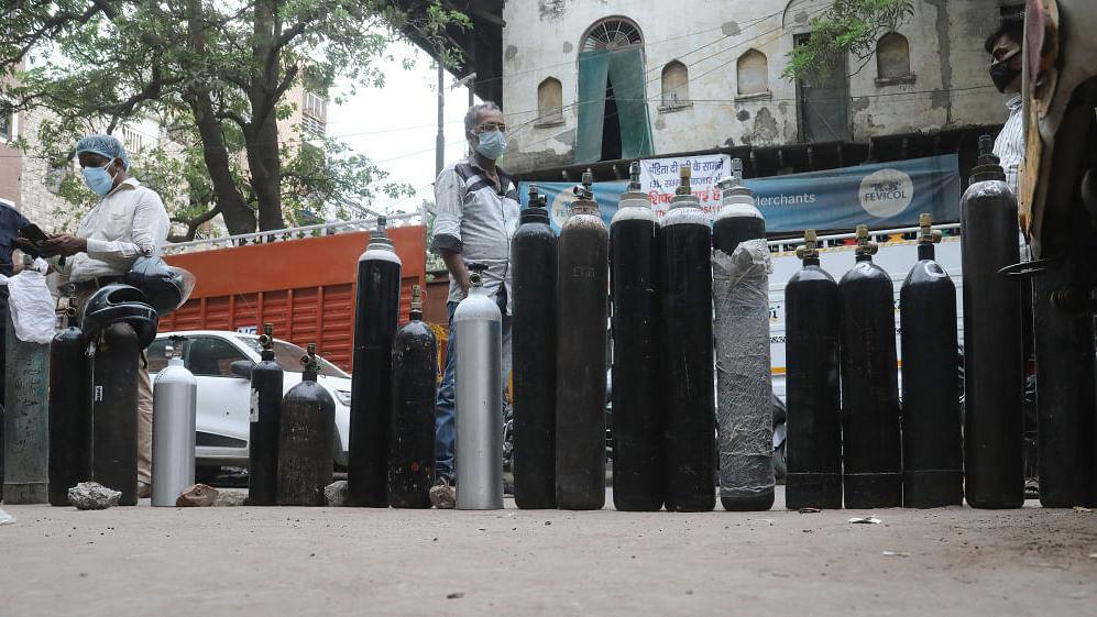 दिल्ली में फिर खड़ी हो सकती है ऑक्सीजन की कमी की समस्या, 24 घंटे में ही 153 मीट्रिक टन कम हुई सप्लाई