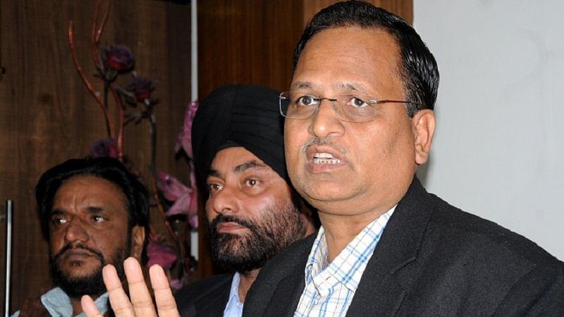 दिल्ली सरकार ने कोरोना जांच में कमी को स्वीकारा, अपने ही लगाए लॉकडाउन को बताया कारण