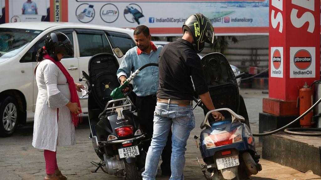 देश में कोरोना काल में भी महंगाई की मार जारी,  लगातार तीसरे दिन बढ़े पेट्रोल-डीजल के दाम, जानें नया रेट