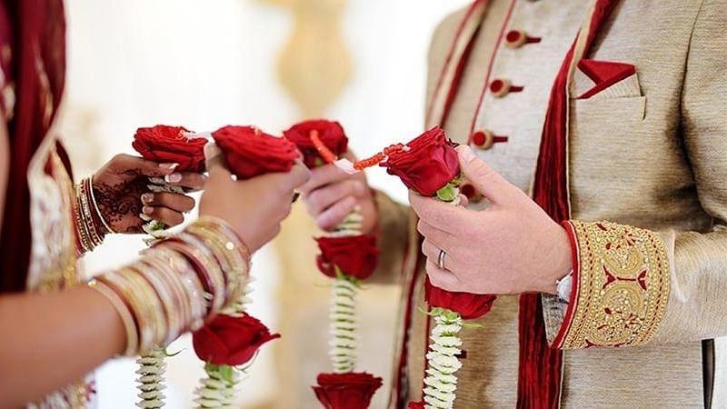 लॉकडाउन: दिल्ली में सिर्फ कोर्ट या घर पर ही अब हो सकेगी शादी, सार्वजनिक स्थल पर इजाजत नहीं, जानें नई गाइडलाइंस