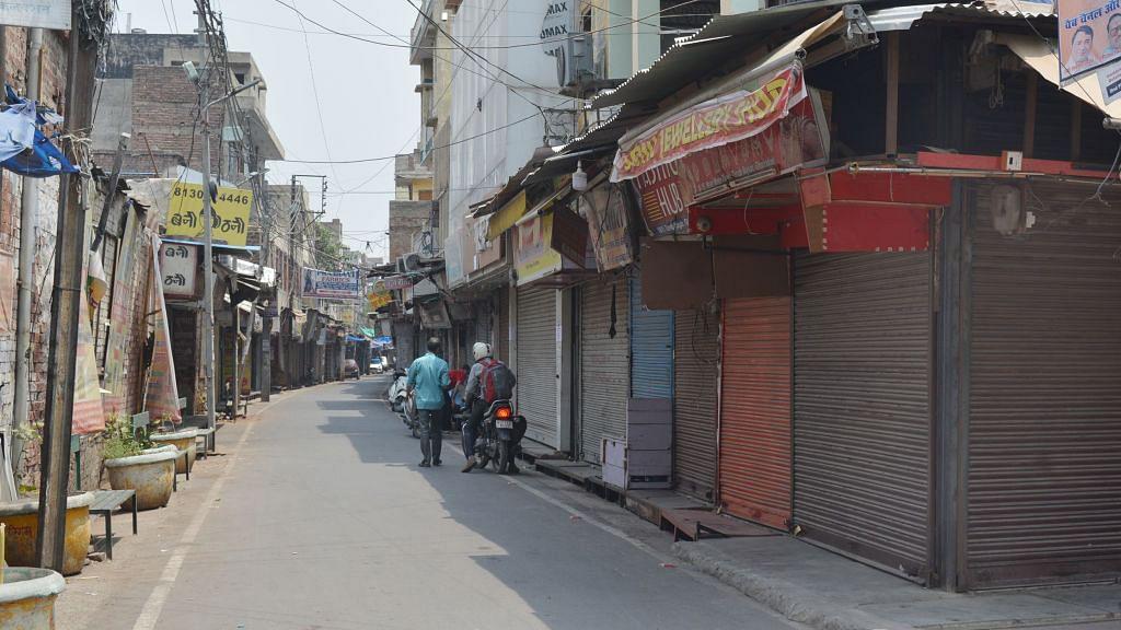 उत्तर प्रदेश में लॉकडाउन एक सप्ताह बढ़ाया गया, मेडिकल और जरूरी सेवाओं के साथ ही औद्योगिक गतिविधियों को छूट
