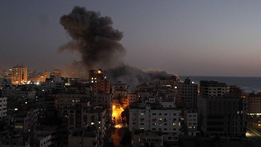 दुनिया की 5 बड़ी खबरें: इजरायल-फिलिस्तीन हिंसा पर खुली बैठक करेगा UNSC और अब इन लोगों को मास्क पहनना जरूरी नहीं