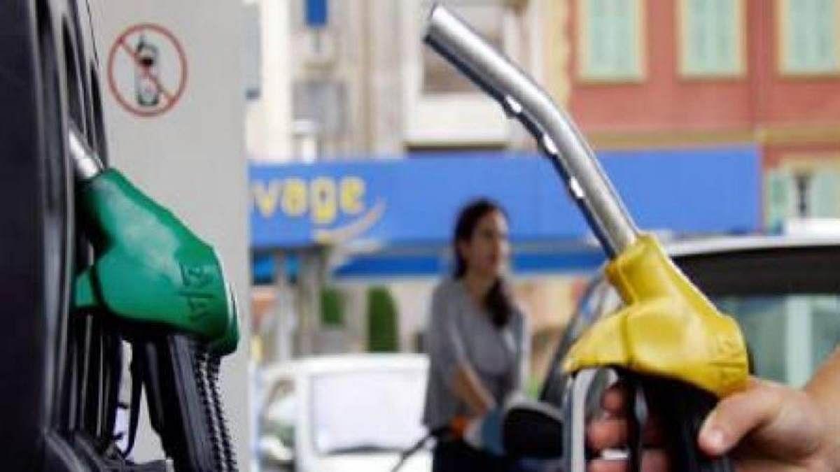 देश में 'विकास' 100 रुपये प्रति लीटर पेट्रोल के करीब के साथ वापस आ गया है: कांग्रेस