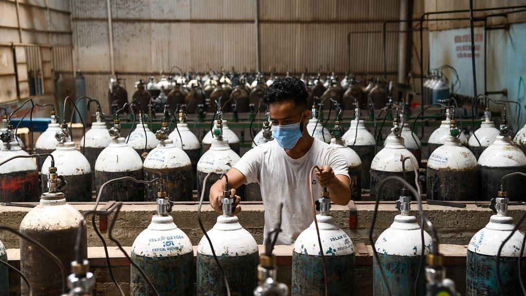 ऑक्सीजन संकट: किसान मोर्चा का बड़ा बयान, 'किसानों की तरफ से खुले हैं रास्ते, दिल्ली पुलिस कर रखी है बेरिकेडिंग'