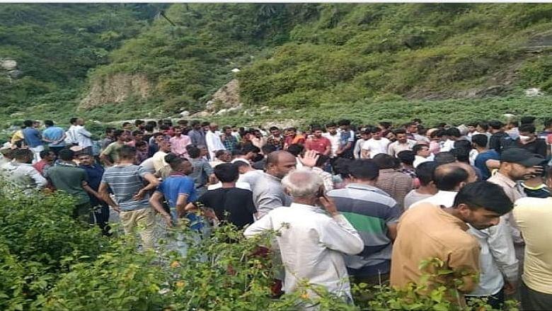मातम में बदली खुशियां, हिमाचल प्रदेश में बरात लेकर जा रही गाड़ी खाई में गिरी, 9 लोगों की मौत