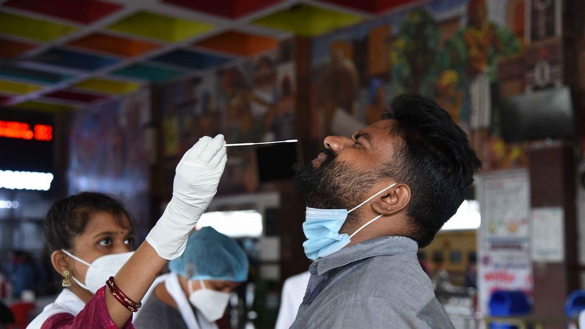कोरोना वायरस: 61 दिनों के बाद मिले सबसे कम नए केस, 24 घंटे में 1.01 लाख नए मरीज आए सामने, 2427 की गई जान