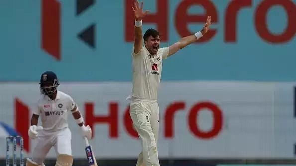 इंग्लैंड के स्टार क्रिकेटरों के विवादित सोशल मीडिया पोस्ट वायरल, कप्तान समेत कई बड़े खिलाड़ी फंस सकते हैं मुसीबत में