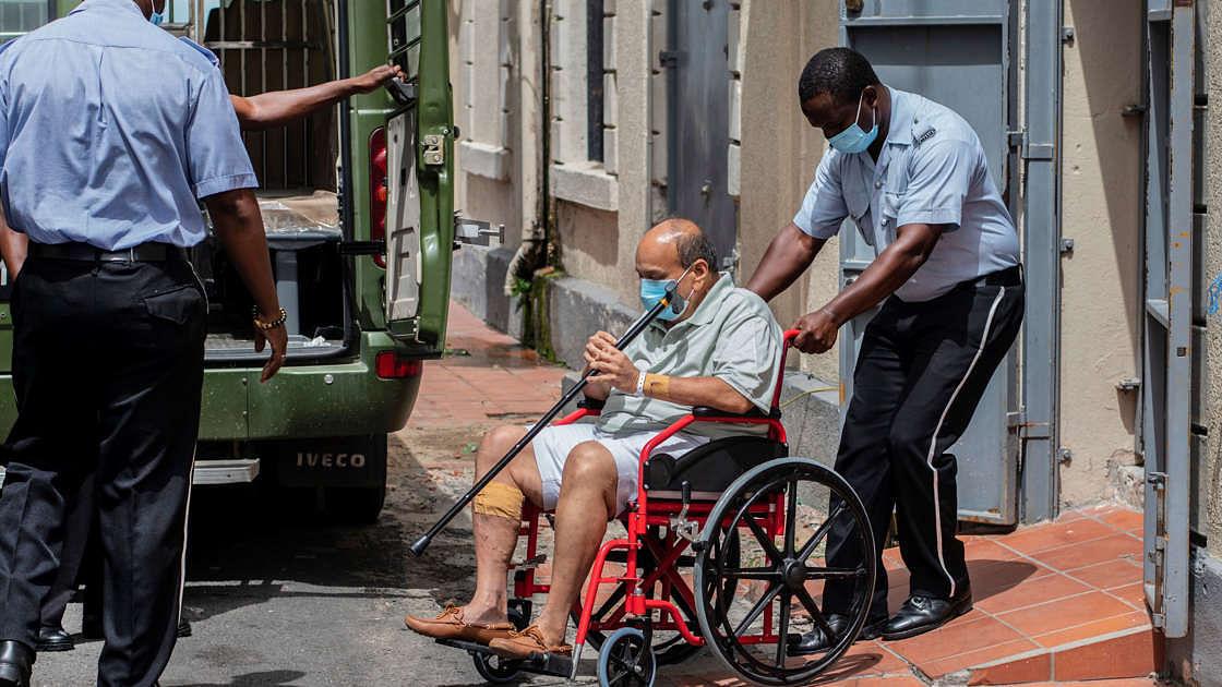 मेहुल चौकसी की बढ़ीं मुश्किलें, खराब सेहत के बावजूद डोमिनिका कोर्ट ने अस्पताल से भेजा जेल