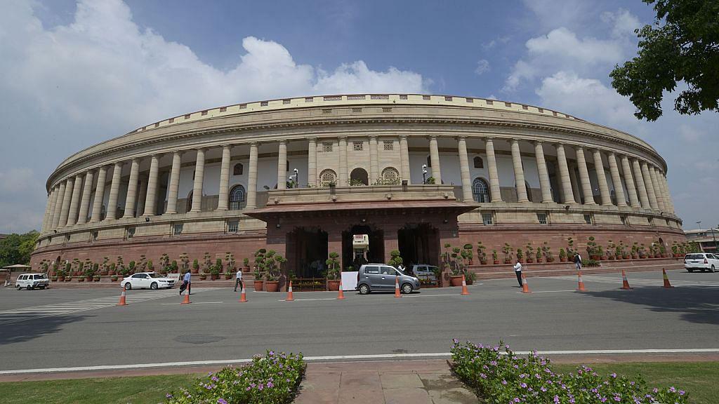 मृणाल पाण्डे का लेख: निशाने पर सरकारी नीतियों के आलोचक, संगीन आरोप लगा कर किया रहा जा गिरफ्तार