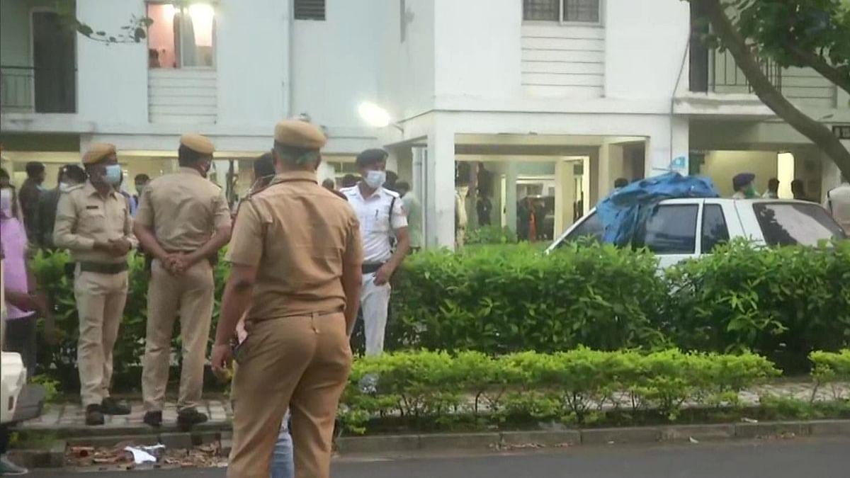 बड़ी खबर LIVE: कोलकाता में STF से मुठभेड़ में पंजाब के दो गैंगस्टर ढेर, पाक से ड्रग्स तस्करी में भी थे शामिल