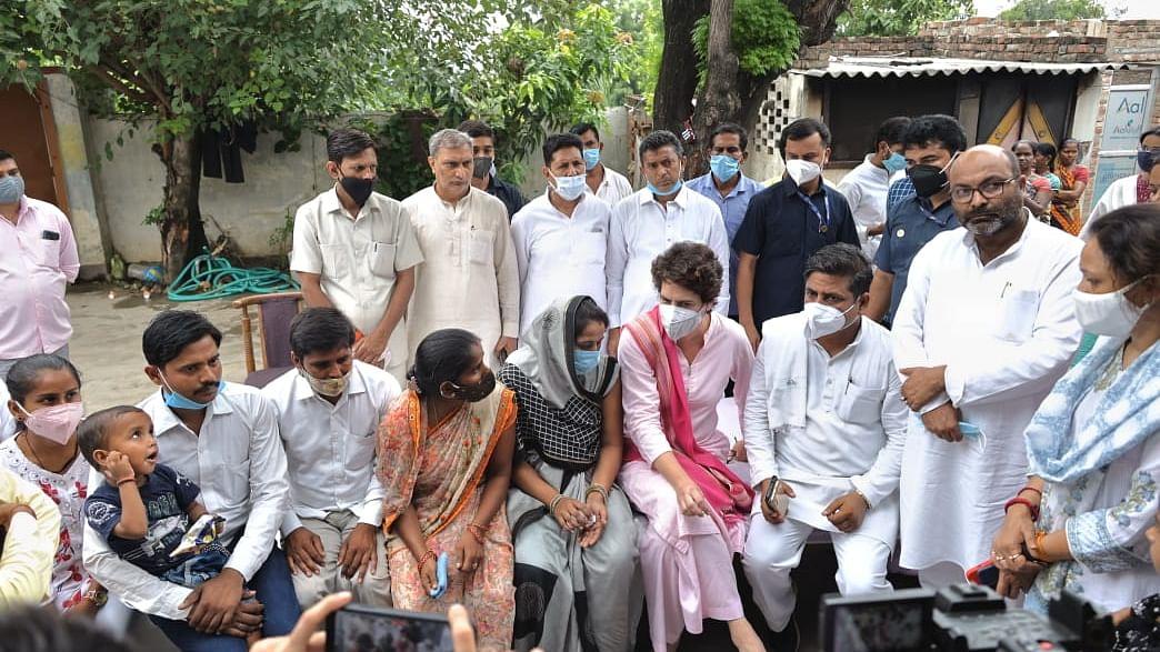 यूपी में जहां-जहां हिंसा हुई वहां के चुनाव रद्द हों, प्रियंका गांधी चुनाव आयोग को पत्र लिखकर करेंगी मांग