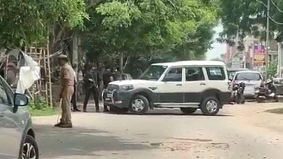 UP: अलकायदा के दो संदिग्ध आतंकी गिरफ्तार, लखनऊ समेत प्रदेश में सीरियल ब्लास्ट की थी साजिश, विस्फोटक भी बरामद