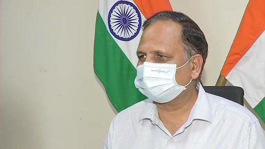 दिल्ली में टीकाकरण अभियान को बड़ा झटका! 500 वैक्सीनेशन सेंटर हुए बंद