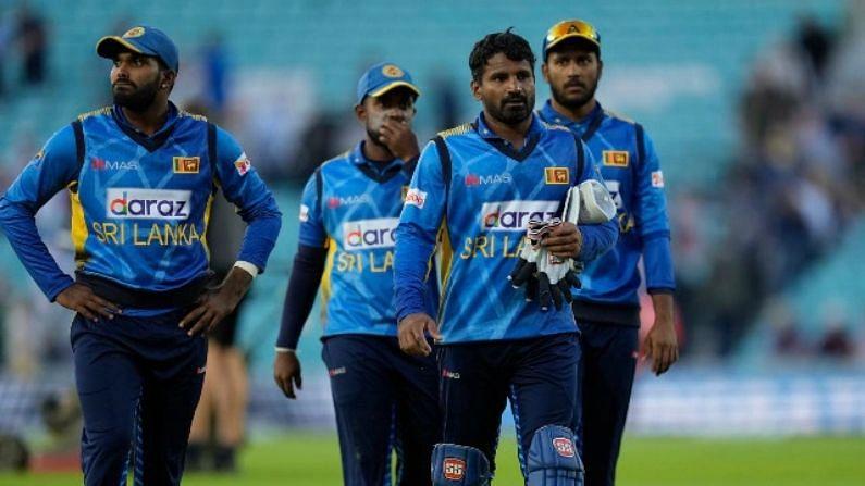 श्रीलंकाई टीम पर कोरोना का अटैक! बैटिंग कोच के बाद चपेट में आया एक और सदस्य, बढ़ी टेंशन