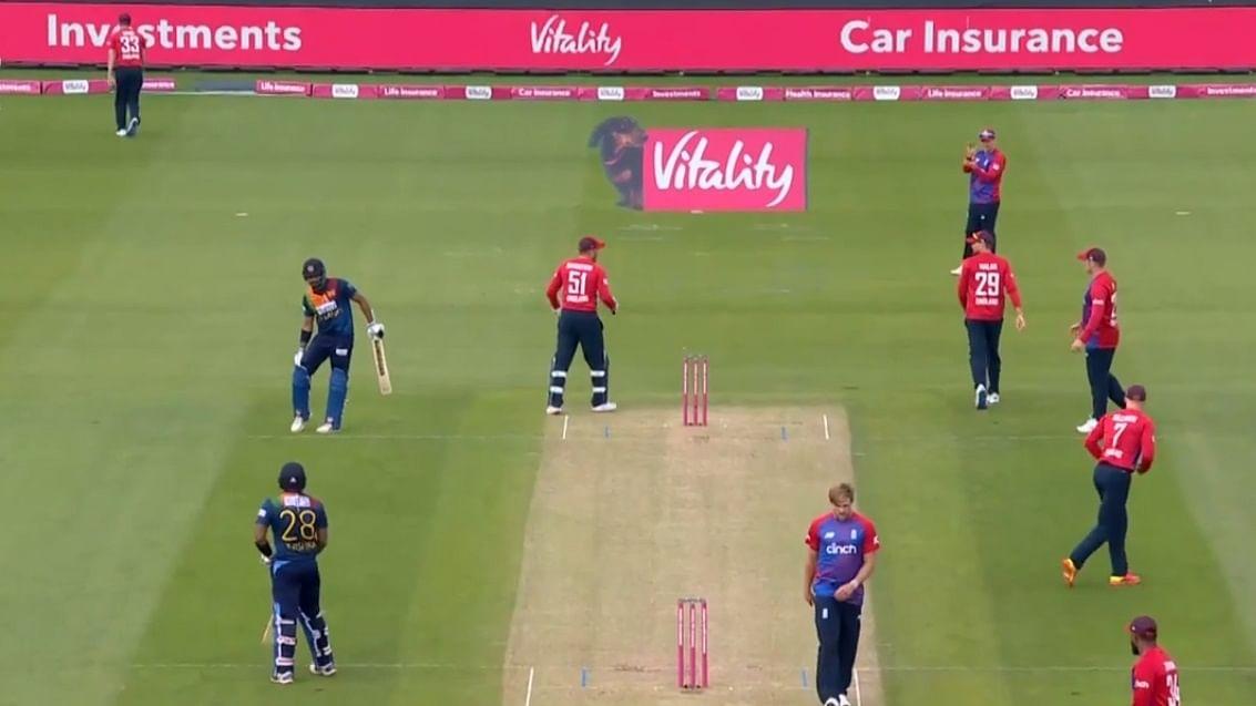मैच से पहले इंग्लैंड टीम के सात सदस्य कोरोना पॉजिटिव, पूरी टीम आइसोलेट, नई टीम खेलेगी पाक के खिलाफ