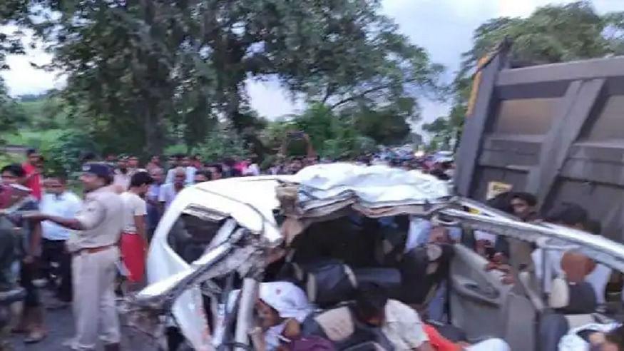 बिहार के गया में भीषण सड़क हादसा! दो वाहनों की टक्कर में 7 लोगों की दर्दनाक मौत