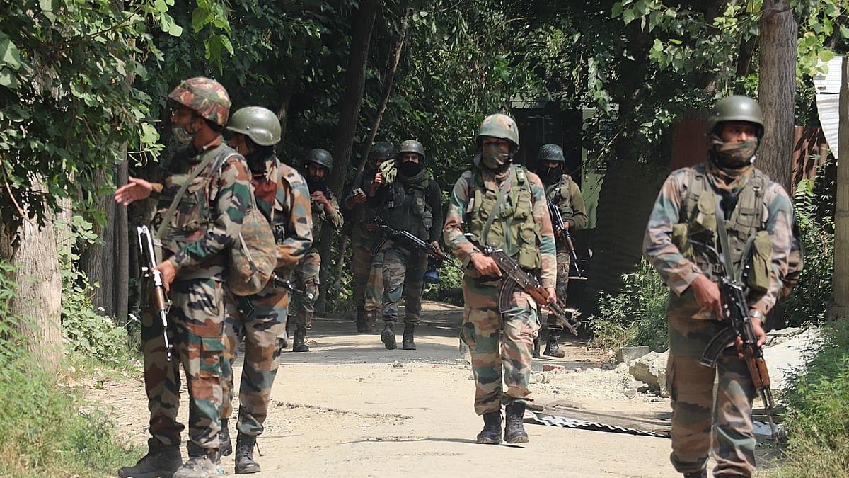 जम्मू- कश्मीर में सुरक्षाबलों को बड़ी कामयाबी, दो अगल-अगल मुठभेड़ में 4 आतंकवादियों को किया ढेर