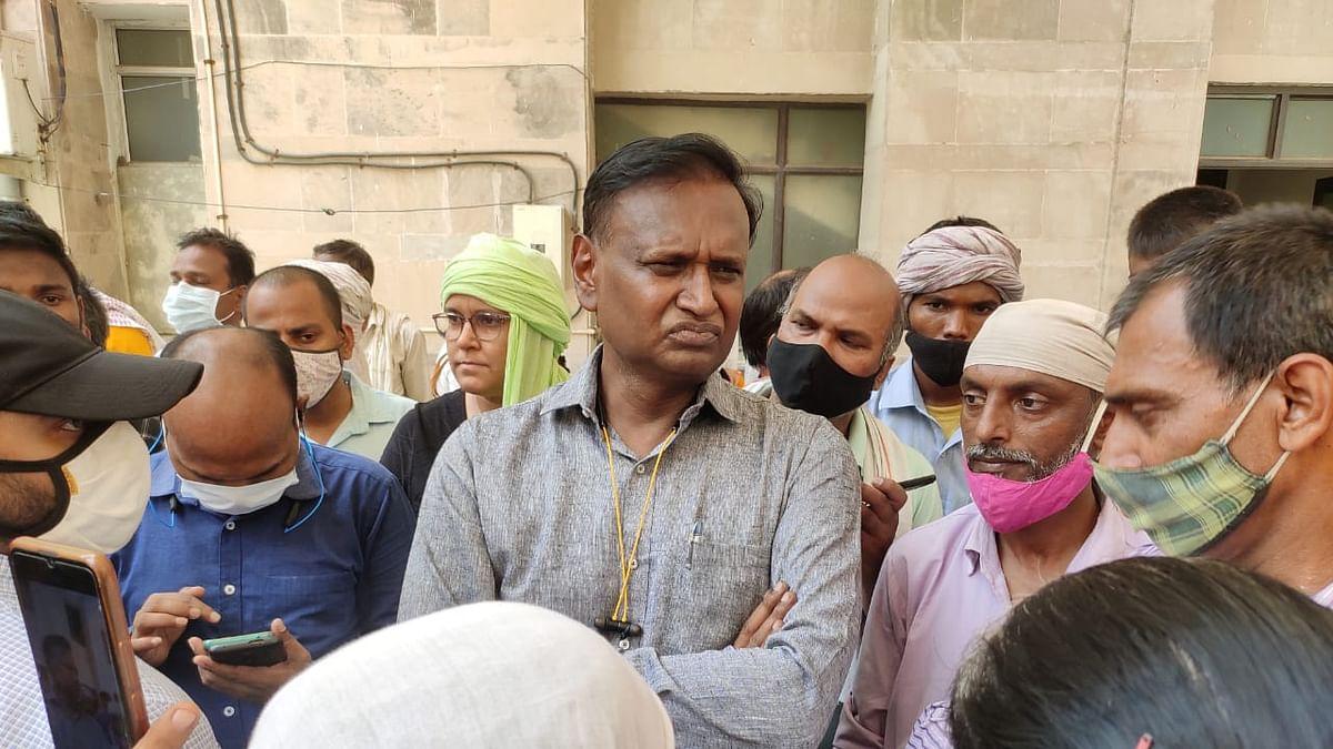 घर तोड़े जाने के खिलाफ खोरी गांव के लोगों का प्रदर्शन, पीएम कार्यालय का घेराव करने जा रहे उदित राज गिरफ्तार