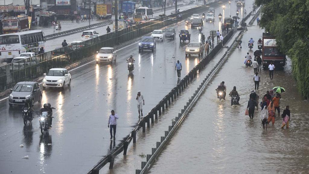 दिल्ली-एनसीआर समेत उत्तर-पश्चिम भारत में भारी बारिश की संभावना, मौसम विभाग ने जारी की चेतावनी