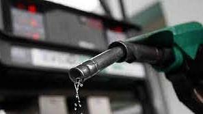 तेल की कीमत में लगी आग जारी, मुंबई, चेन्नई के बाद दिल्ली और कोलकाता में पेट्रोल 100 के पार, डीजल के भी दाम बढ़े