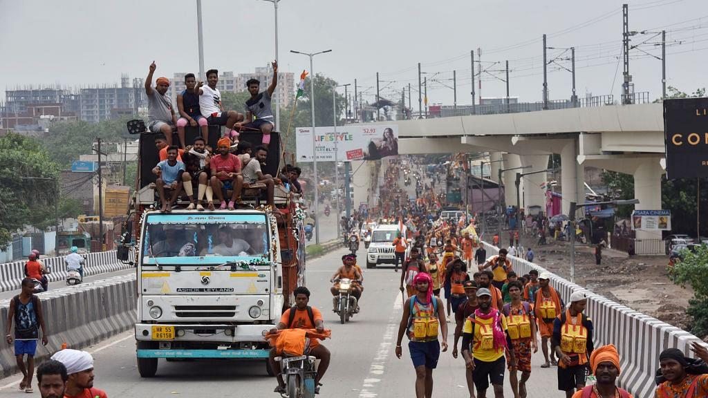कोरोना संकट के बीच कांवड़ यात्रा की इजाजत देने पर UP सरकार-केंद्र को सुप्रीम कोर्ट का नोटिस, 16 जुलाई को अगली सुनवाई