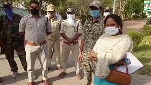 मध्य प्रदेशः खनन माफियाओं पर नकेल कसने वाली महिला अफसर का तबादला, कांग्रेस ने शिवराज सरकार पर बोला हमला