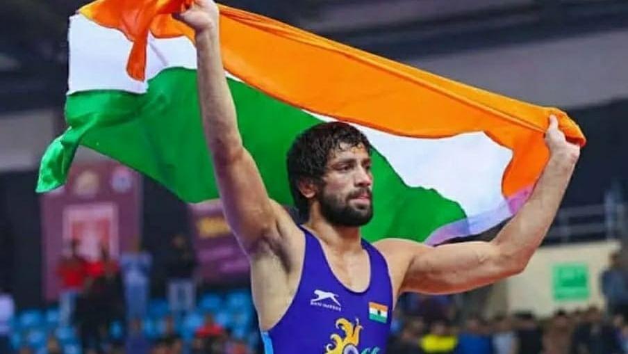 ओलंपिक में सिल्वर लाने वाले रवि दहिया पर इनाम की बौछार, खट्टर ने नौकरी के साथ 4 करोड़ रुपये देने का किया ऐलान