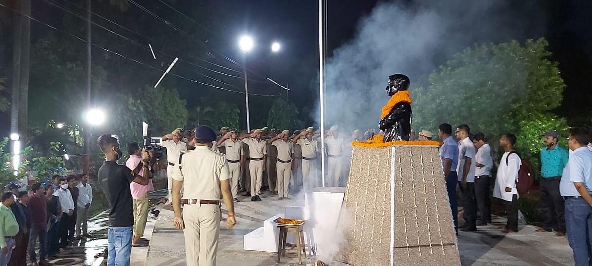 बिहार: 'एकबार विदाई दे मां' के नारों से गूंज उठा मुजफ्फरपुर का जेल, सुबह 4 बजे पहुंचे कई बड़े अधिकारी, जानें पूरा मामला