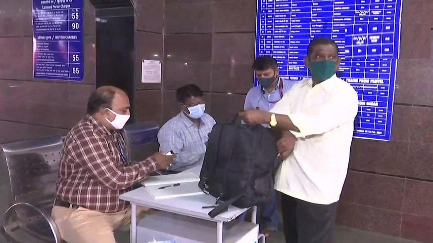 मुंबई में 15 अगस्त से लोकल ट्रेन शुरू करने की तैयारी, जारी किए जा रहे पास, जानें क्या है नियम