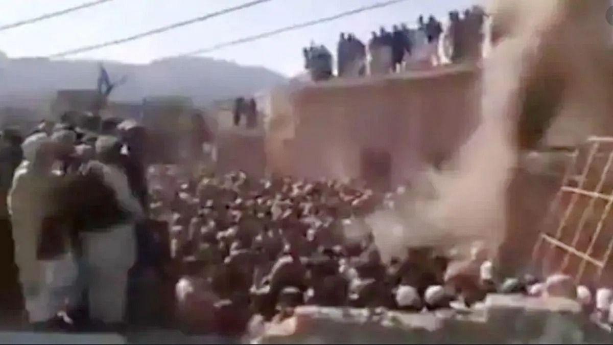दुनिया की 5 बड़ी खबरें: पाकिस्तान में मंदिर तोड़फोड़ मामले में 20 लोग अरेस्ट और इजरायल ने लेबनान में 40 तोप के गोले दागे