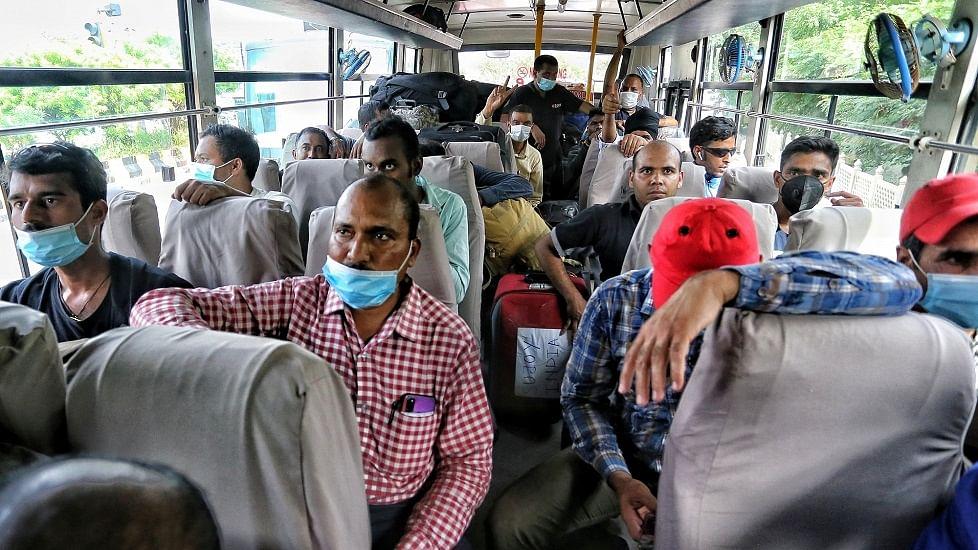 काबुल से 35 लोगों को लेकर हिंडन एयरबेस पहुंचा वायुसेना का विमान, 11 नेपाली नागरिक भी शामिल