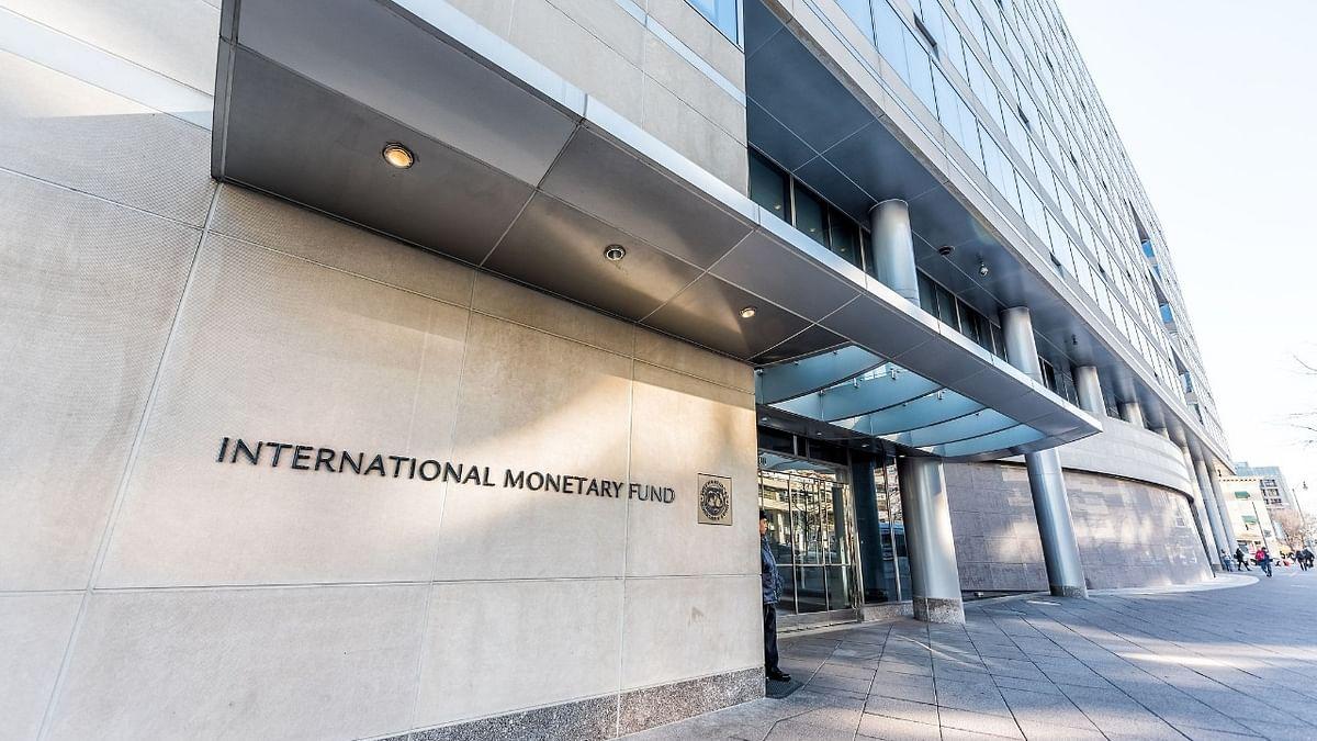 अर्थ जगत की 5 बड़ी खबरें: कोरोना के कारण IMF ने लिया इतिहास का सबसे बड़े फैसला और  क्लाउड मार्केट पर 3 कंपनियों का कब्जा