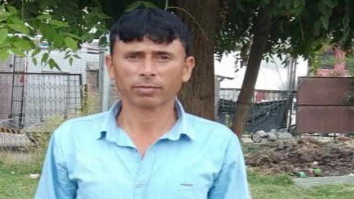 जम्मू-कश्मीर के कुलगाम में आतंकियों ने बीजेपी नेता को भूना, हमलावरों की तलाश में जुटी पुलिस