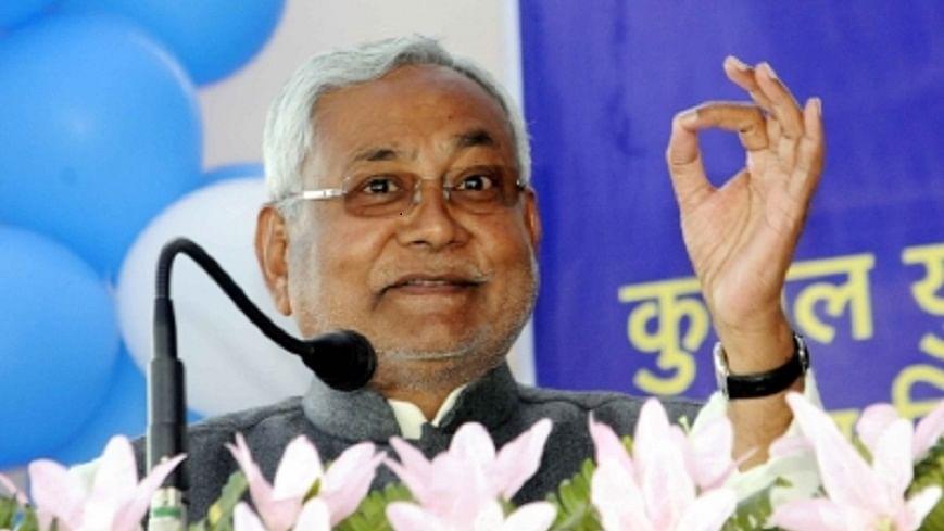 बदले-बदले से नजर आ रहे नीतीश कुमार, RJD के विवाद पर बोलने से बचे, कहा- उनका अंदरूनी मामला