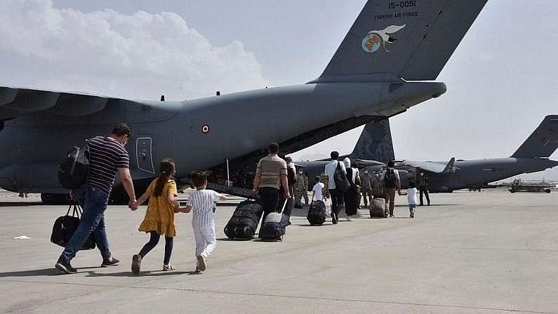 काबुल से भारत आए 78 में से 16 लोग पाए गए कोरोना पॉजिटिव, किया गया क्वारंटीन, केंद्रीय मंत्री भी संपर्क में आए थे