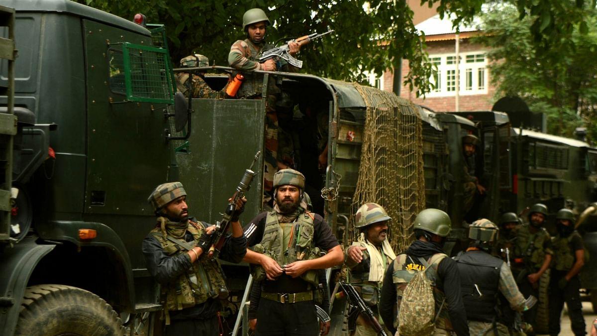 जम्मू कश्मीर के पुलवामा में मुठभेड़, सुरक्षाबलों ने 1 आतंकी को किया ढेर