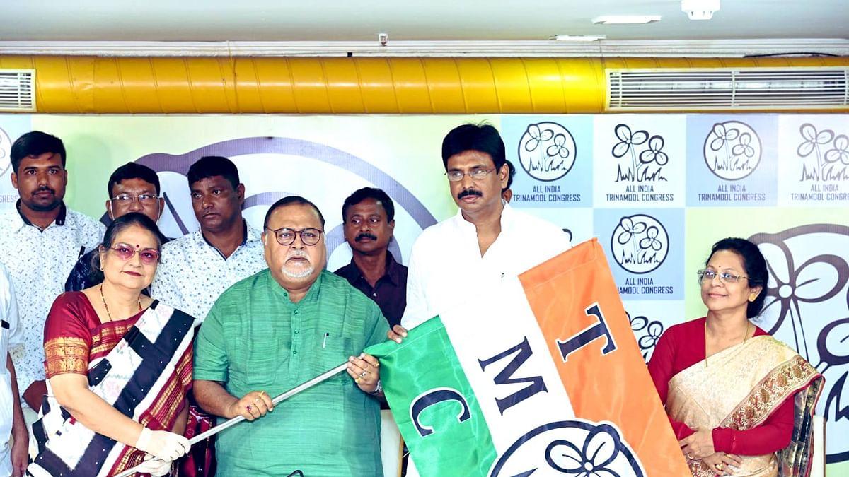 बंगाल में लगातार दूसरे दिन बीजेपी को झटका, एक और विधायक ने TMC में की वापसी, कई के कतार में होने का दावा