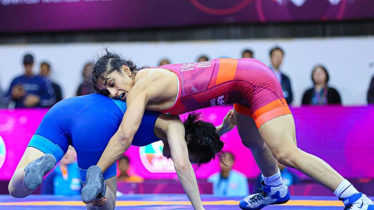 टोक्यो ओलंपिक: अनुशासनहीनता के आरोप में विनेश फोगाट अस्थायी रूप से निलंबित, इस पहलवान पर लगे गंभीर आरोप