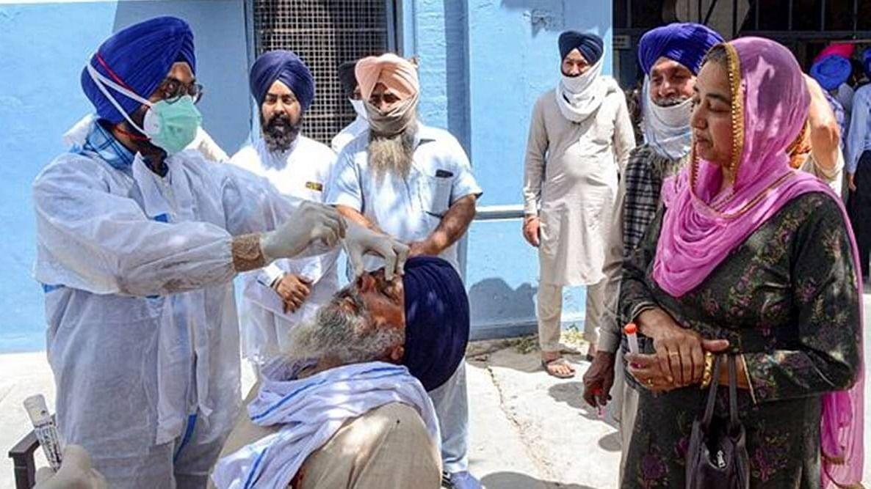 पंजाब में एंट्री के लिए अब फुल वैक्सीनेशन या RT–PCR निगेटिव रिपोर्ट जरूरी, अमरिंदर सरकार ने जारी किए आदेश