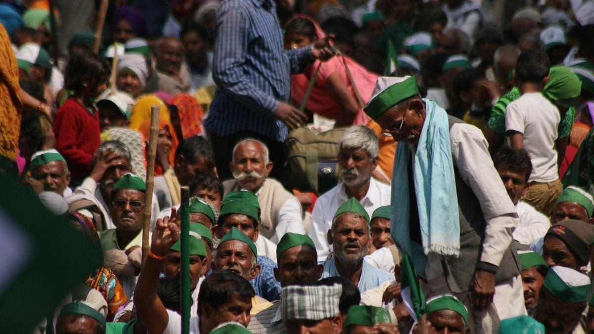 करनाल में महापंचायत के लिए जुटने लगी भीड़, किसानों को रोकने के लिए कई जगह बैरिकेडिंग!