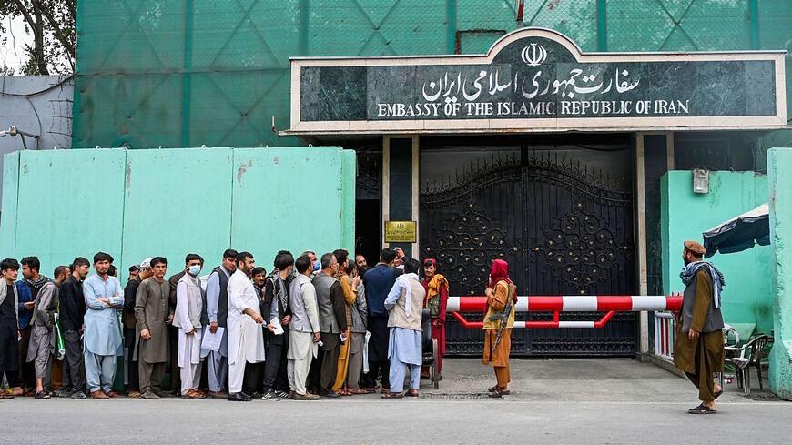 अफगानिस्तान में वीजा की कालाबाजारी चरम पर, विदेशी दूतावास बंद होने से फल-फूल रहा बाजार