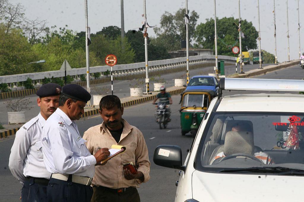 वीडियो: इस कागज के बिना दिल्ली की सड़कों पर गाड़ी से न चलें, लाइसेंस तो रद्द होगा ही, जेल भी जाना पड़ सकता है!