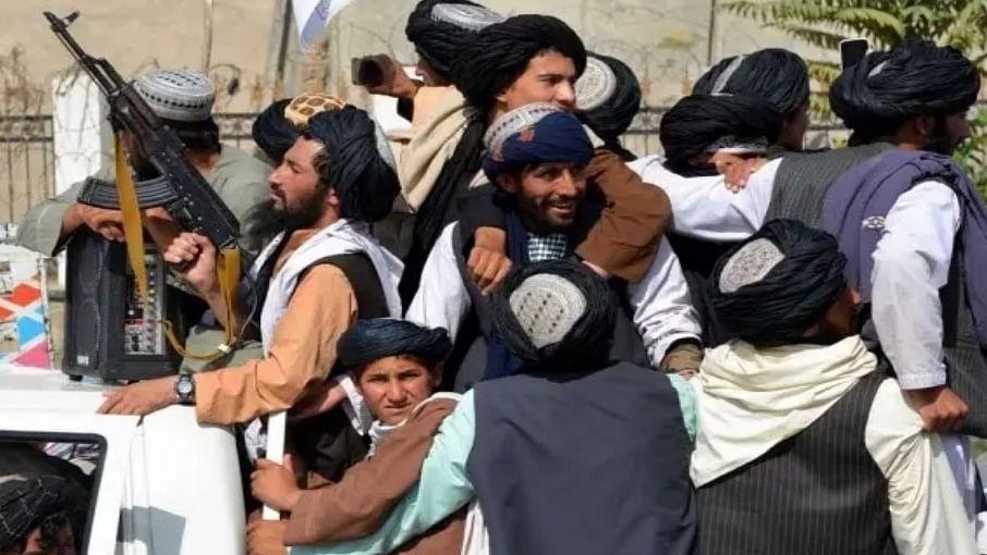 दुनिया की 5 बड़ी खबरें: पंजशीर को लेकर सस्पेंस बरकरार और अफगानिस्तान पर तालिबान के कब्जे के बाद क्यों खुश हैं पाकिस्तानी?