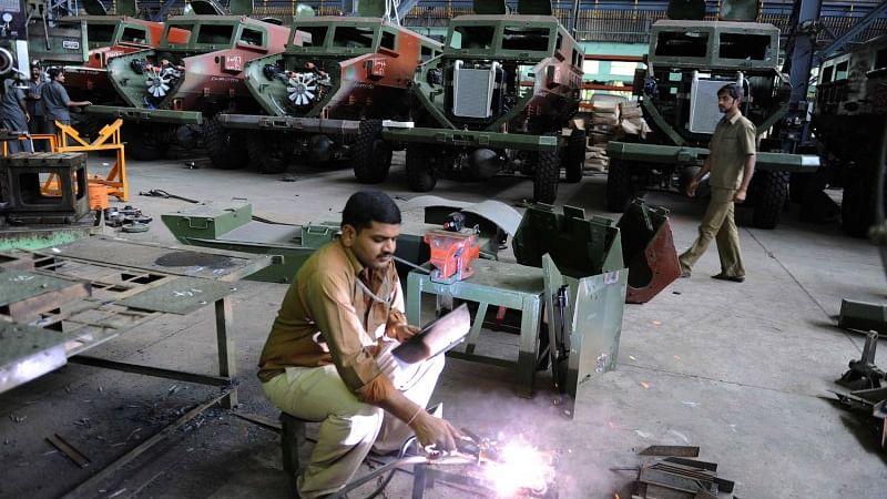 आयुध कारखानों को निगम बनाने का विरोध तेज, कर्मचारी संघ के जनमत संग्रह में 100 फीसदी ने केंद्र के कदम को बताया गलत