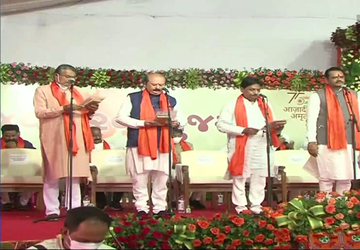 New cabinet took oath in Gujarat, 24 new ministers made, leave of all old ministers, see full list