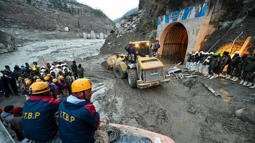 मोदी सरकार में प्राकृतिक संसाधनों की खुलेआम लूट, हिमालय के विनाश पर सभी कोर्ट-प्राधिकरण बने मूक दर्शक