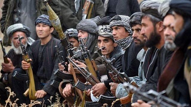 दुनिया की 5 बड़ी खबरें: US पर हमला कर सकता है अलकायदा और तालिबान ने किया अफगान मूल के भारतीय कारोबारी का अपहरण