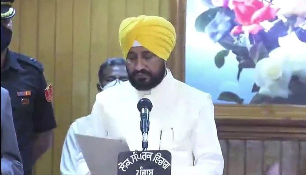 चरणजीत सिंह चन्नी बने पंजाब के नए CM, ओपी सोनी और सुखजिंदर सिंह रंधावा ने भी ली डिप्टी सीएम पद की शपथ